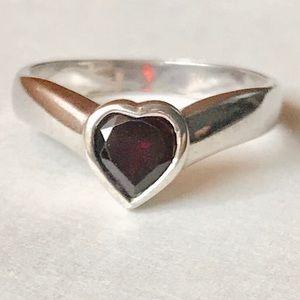 Jewelry - Sterling Garnet ring